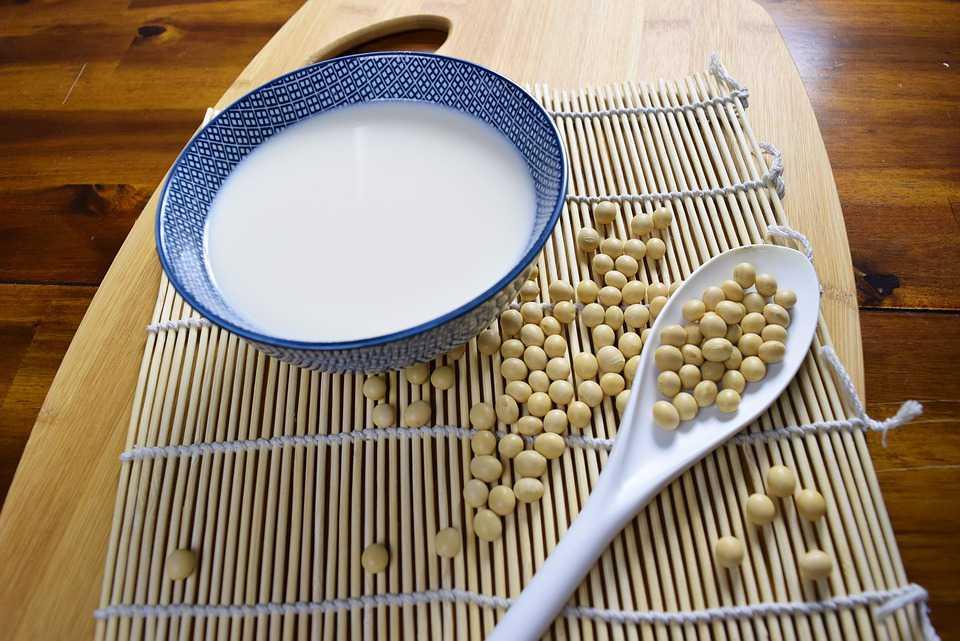4 Manfaat Susu Kedelai untuk Kesehatan dan Ibu Hamil [Terbukti]